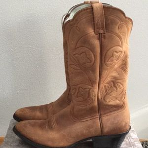 Ariat woman's size 10 B boot
